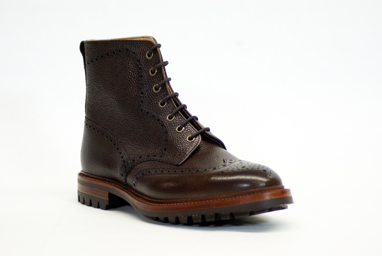 Best Winter Boots For Mens | Planetary Skin Institute