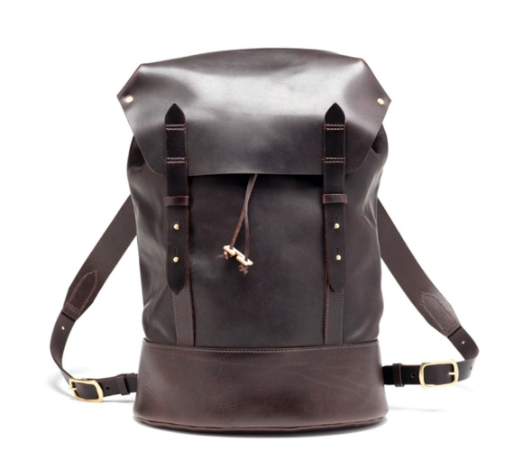CHERCHBI-Black-Sail-Rucksack-in-Oiled-Leather_low-res_crop
