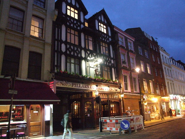 Pillars_of_Hercules,_Soho_-_geograph.org.uk_-_1121366