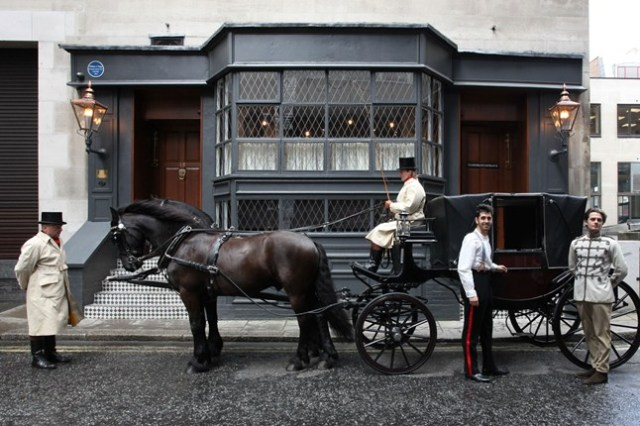 Horse--Carriage1_646x430